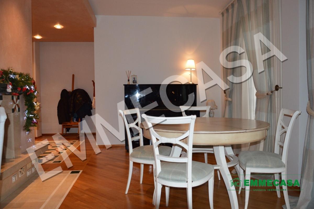Appartamento in vendita a Valenzano, 4 locali, prezzo € 235.000   PortaleAgenzieImmobiliari.it