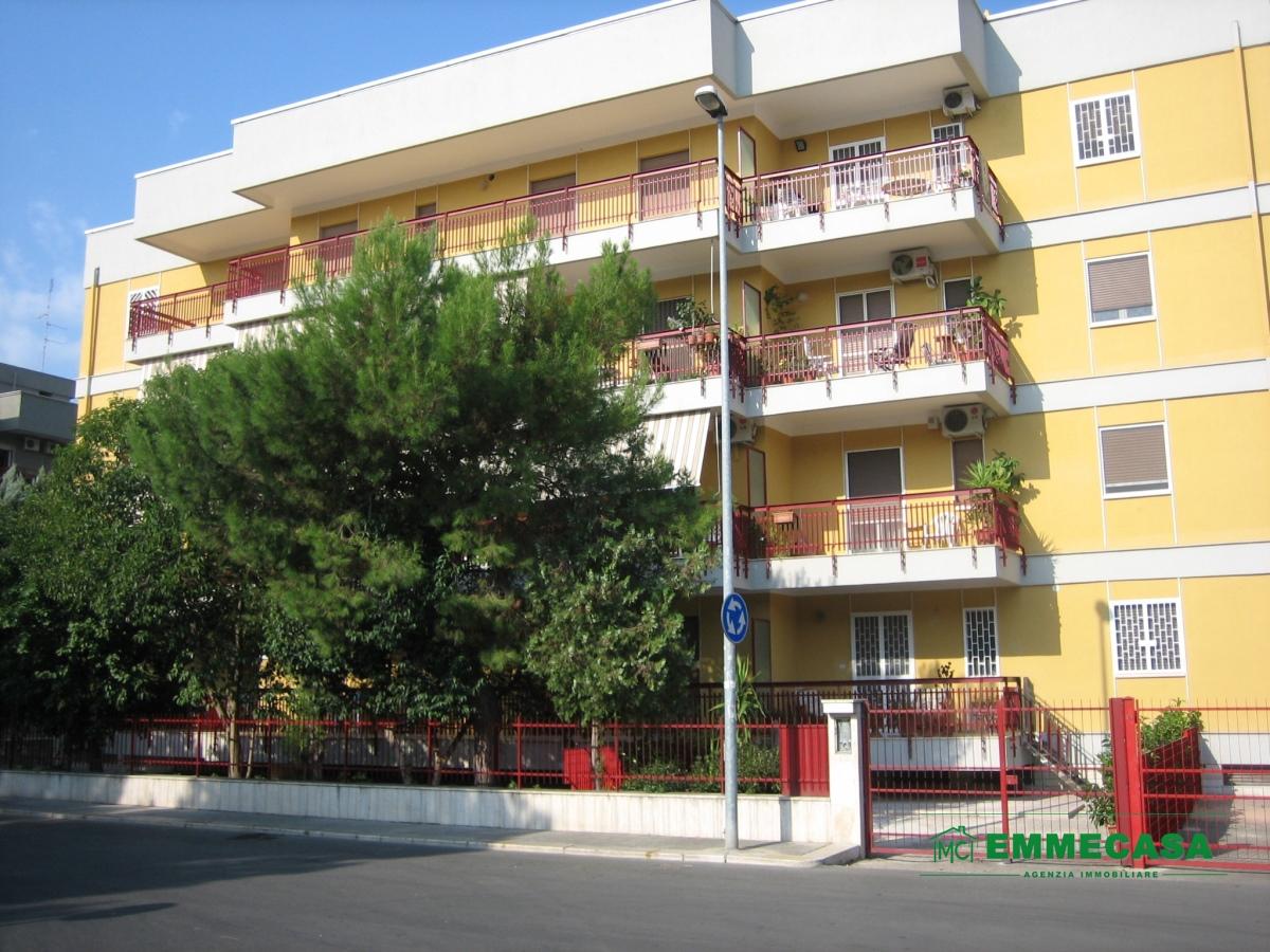 Appartamento in vendita a Valenzano, 3 locali, prezzo € 129.000   PortaleAgenzieImmobiliari.it