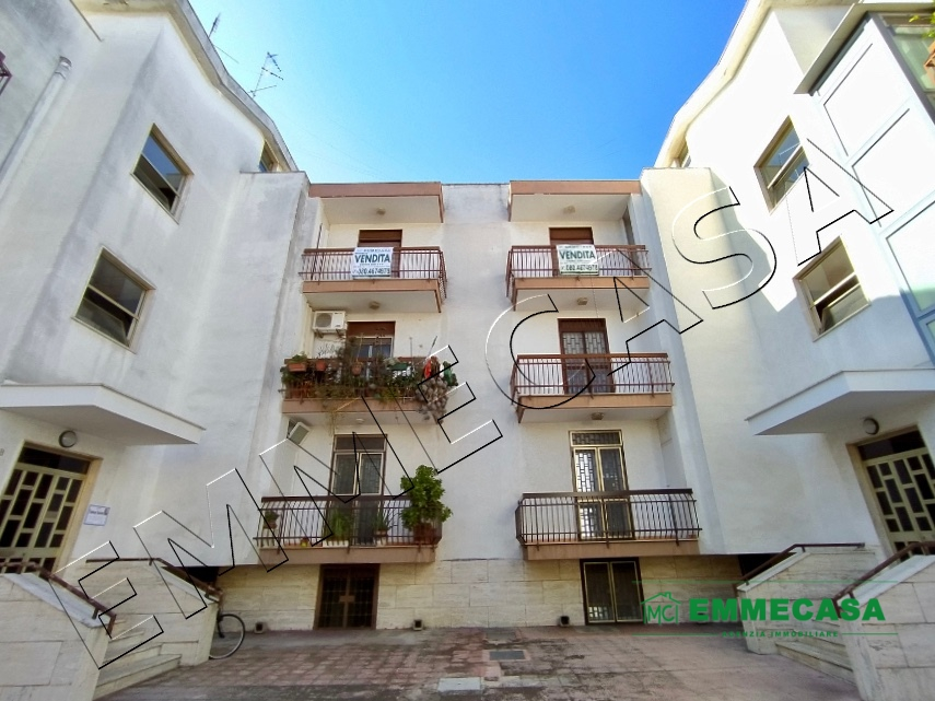 Appartamento in vendita a Valenzano, 3 locali, prezzo € 109.000   PortaleAgenzieImmobiliari.it